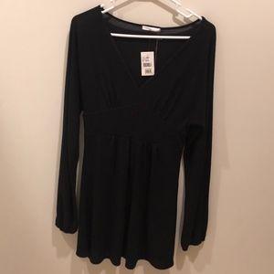 *NWT* Soprano Long-Sleeved Black Dress